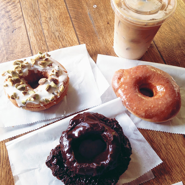 Do-Rite Donuts and Coffee: Chicago