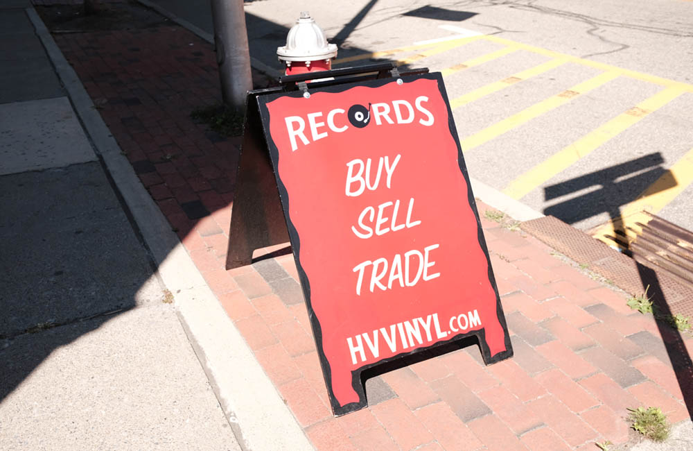 vinyl sign1